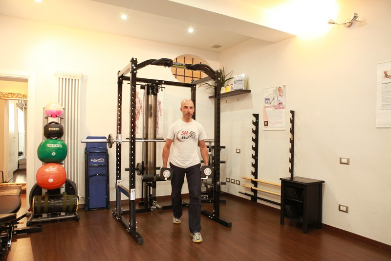 """""""Affondi con i manubri"""" per l'allenamento di glutei e gambe - Personal Trainer Bologna"""