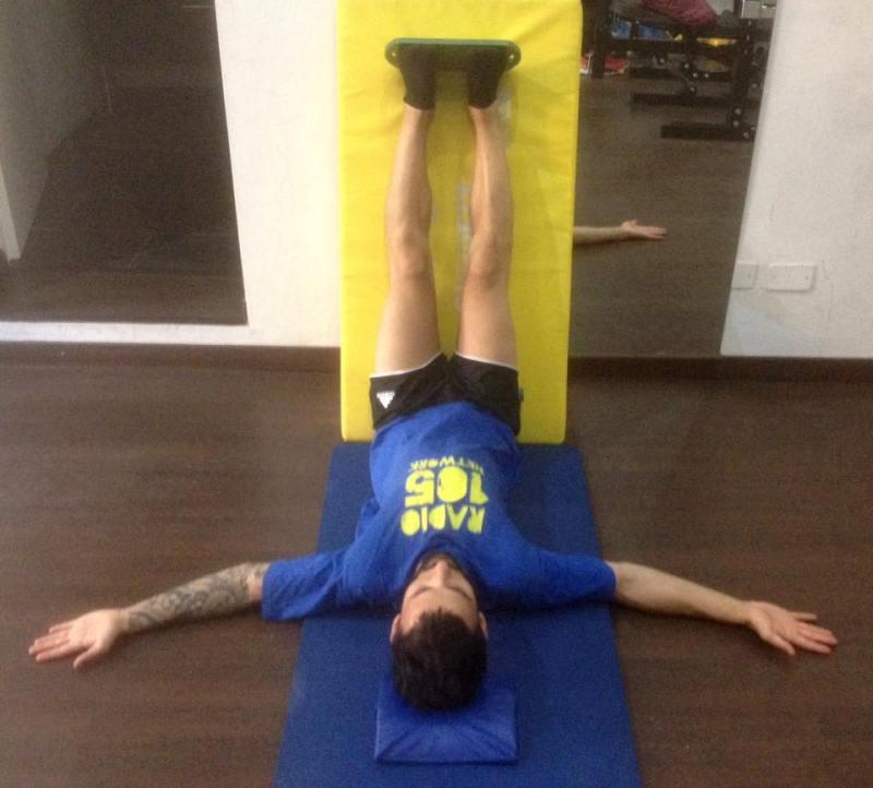 2° squadra Mezieres per l'allungamento dei muscoli di cosce e polpacci - Personal Trainer Bologna