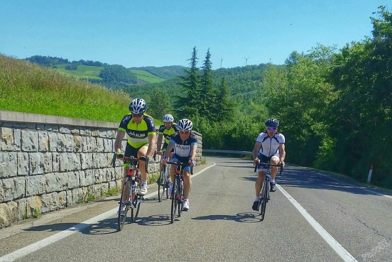 Giro in bicicletta dei Passi Raticosa e Futa con il Club Malini - Personal Trainer Bologna Stefano Mosca