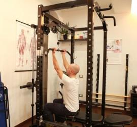 Lat machine a presa inversa Personal Trainer Bologna